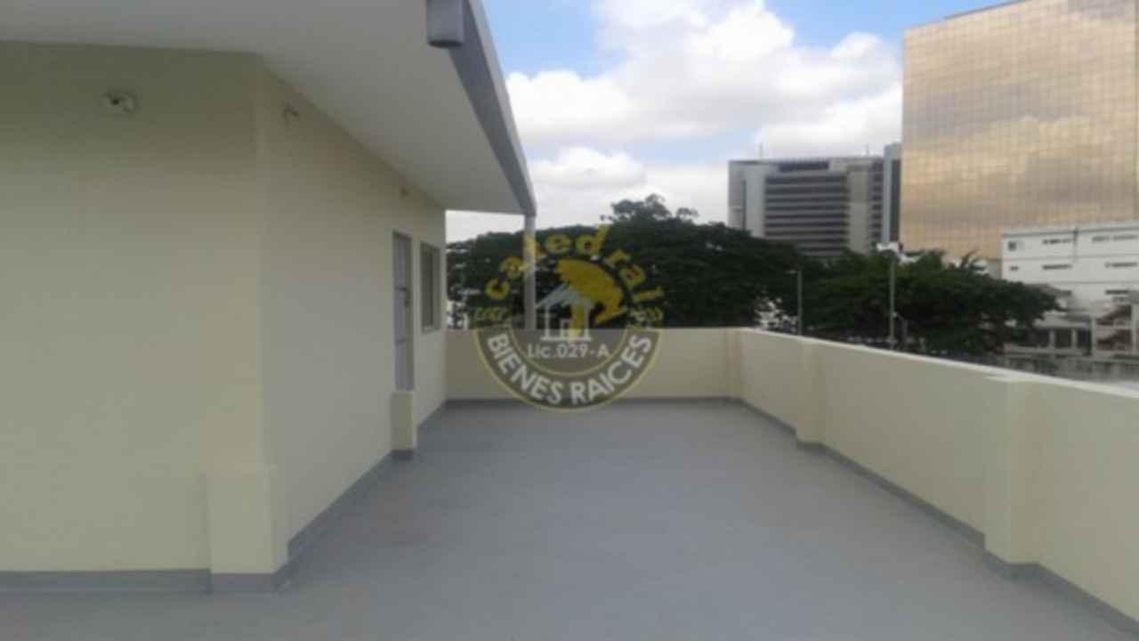 Casa de venta en guayaquil sector kennedy for Terrazas de kennedy