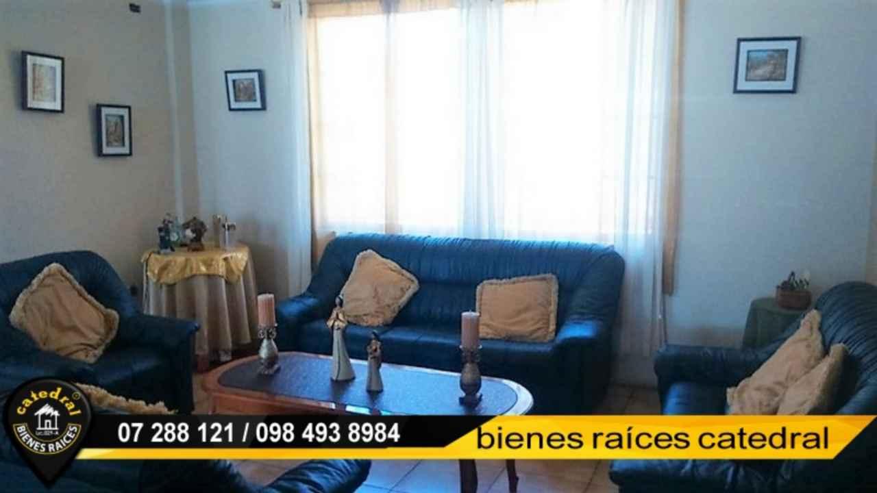 Villa Casa de Venta en Azogues Ecuador sector Charasol
