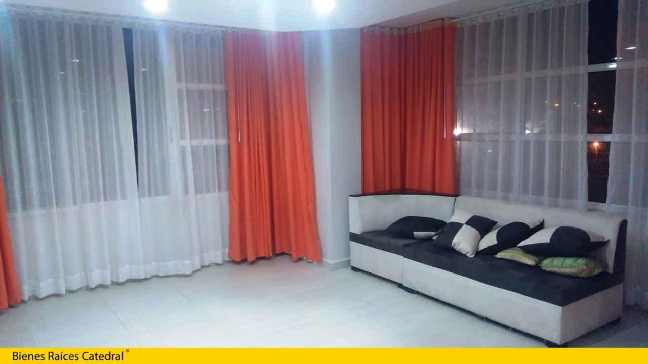 House for Sale in Guayaquil Ecuador sector Manta - Cdla. Universitaria