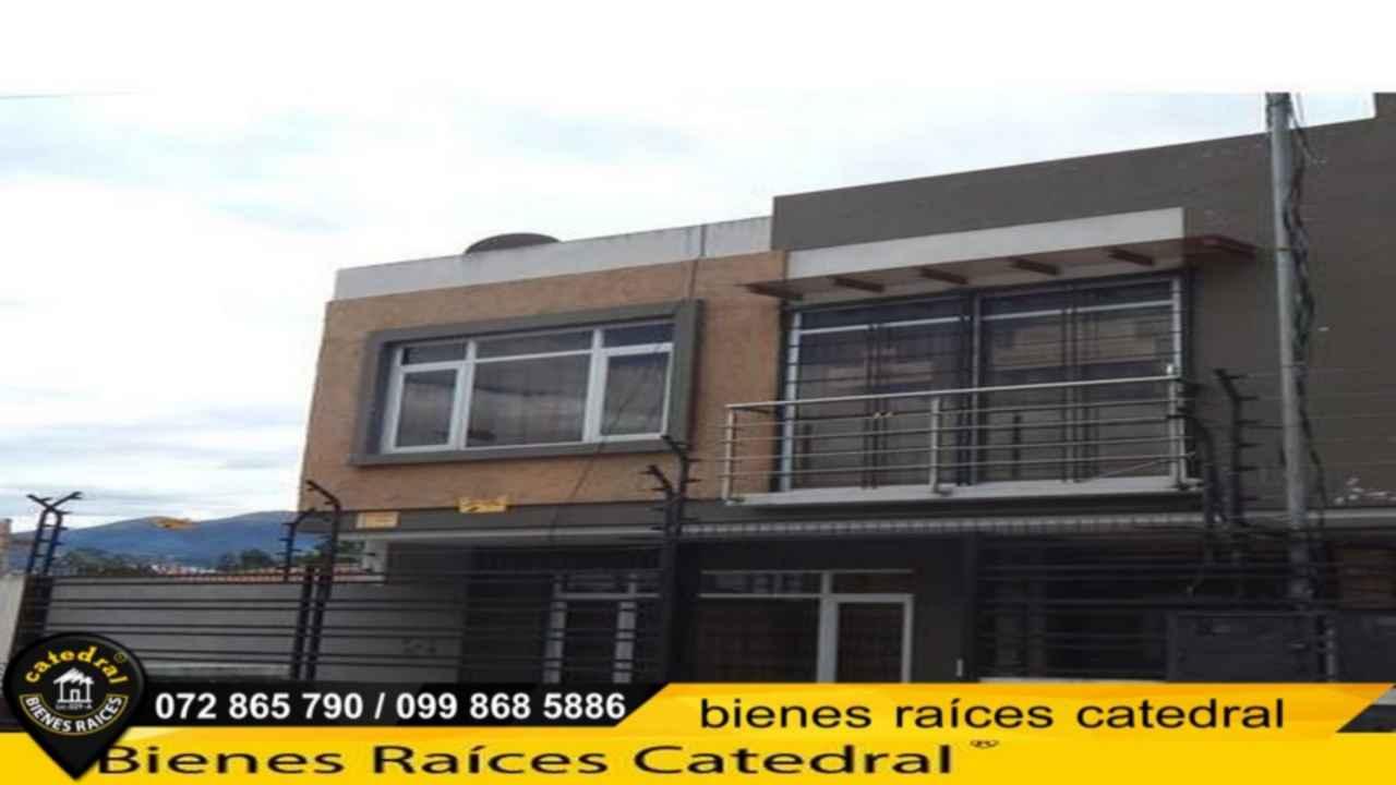 Villa Casa de Venta en Cuenca Ecuador sector Club Deportivo Cuenca Patamarca