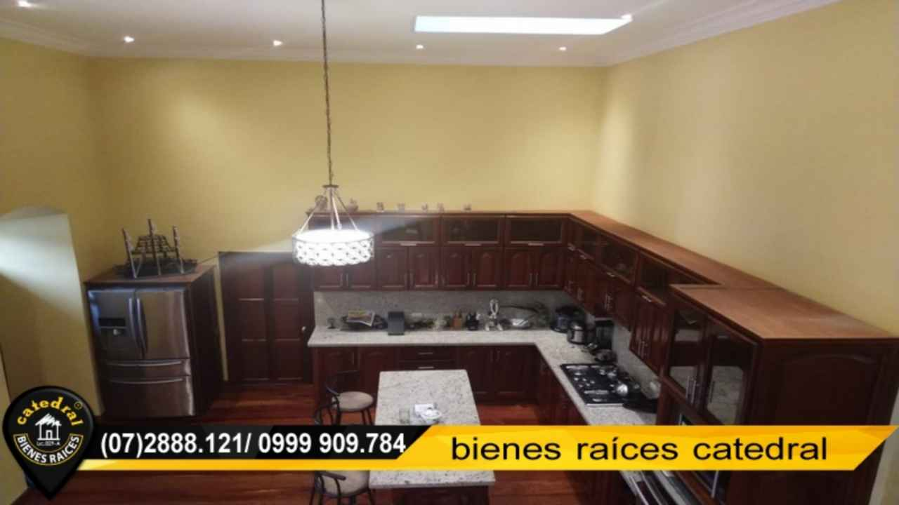 Apartment for Rent in Cuenca Ecuador sector Centro - Parque Calderon